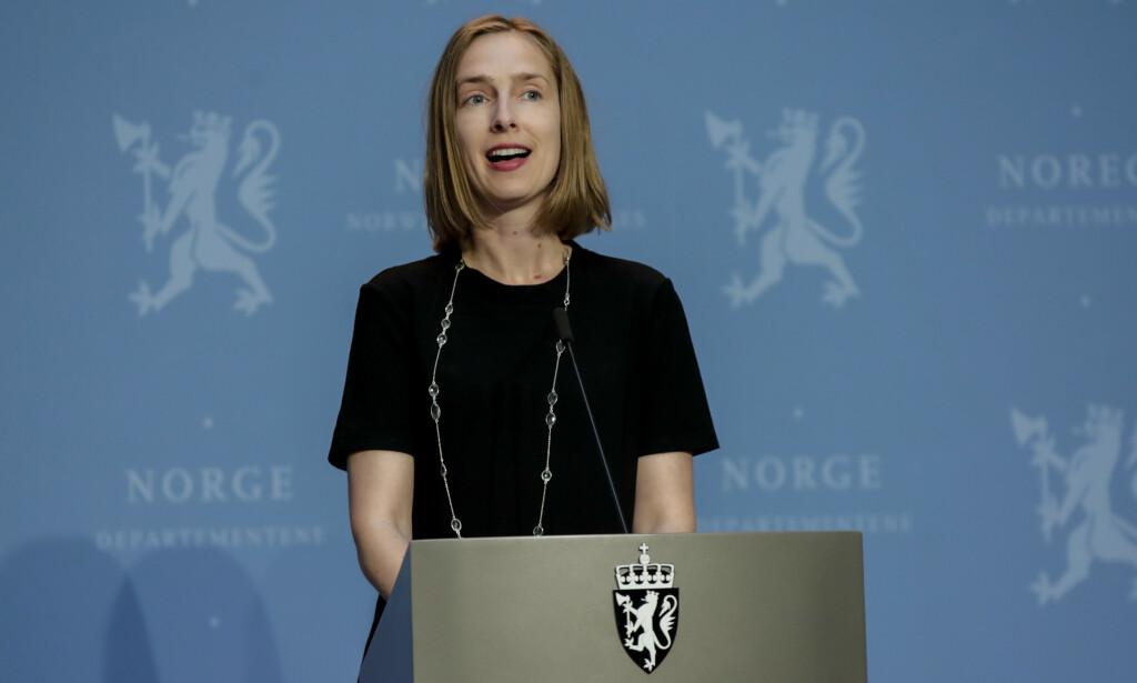 AVBESTILTE REISER: Næringsminister Iselin Nybø (V) i en tidligere pressekonferanse i forbindelse med coronasituasjonen. Foto: Vidar Ruud / NTB scanpix