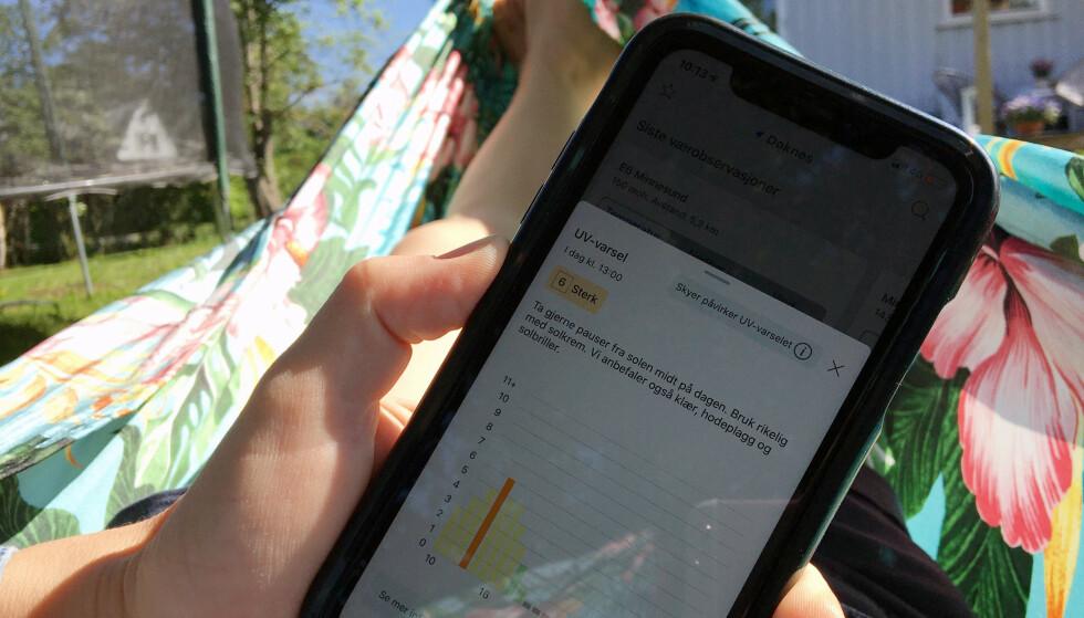 STERK SOL? Du bør sjekke, og følge rådene, som du finner i UV-varselet. Foto: Berit B. Njarga