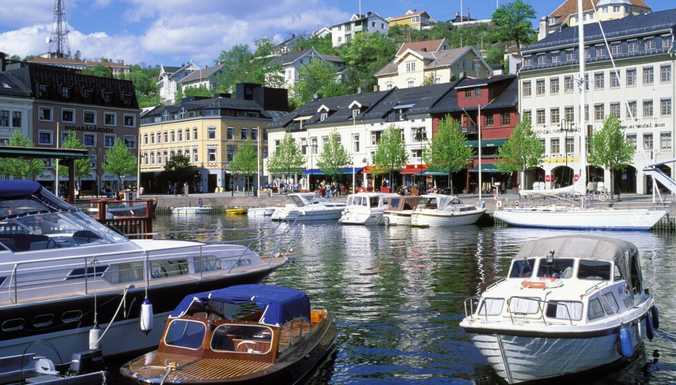 <strong>ÅPNE GJESTEHAVNER:</strong> Se hvilke tiltak som er innført i de norske gjestehavnene som følge av covid-19. Her småbåter i Arendal sentrum. Foto: NTB Scanpix