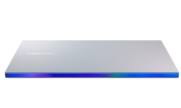 Galaxy Book Ion har en lekker detalj på baksiden. Foto: Samsung