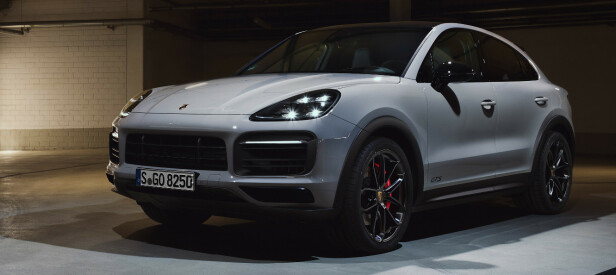<strong>SORT:</strong> GTS kjennetegnes med Sport Design-pakke. Det betyr en masse sorte detaljer på hele bilen. Foto: Porsche