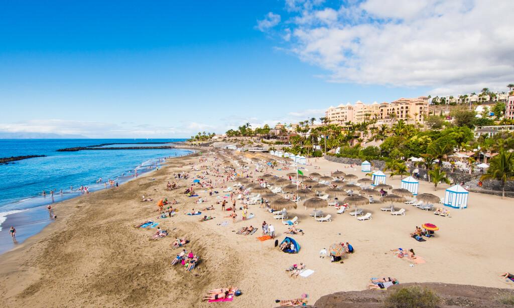 FÅR IKKE REFUSJON: Reisefølget avbestilte Tenerife-ferien rett før avreisen i mars, etter at et annet hotell i samme område stengte ned og isolerte alle sine 1000 gjester. Men dette var før UD kom med sitt reiseråd mot reiser til alle land - og charterselskapet er dermed ikke forpliktet til å betale refusjon, og heller ikke forsikringsselskapet. Dermed må reisefølget svelge tapet på 26.000 kroner selv. Foto: Shutterstock/NTB scanpix