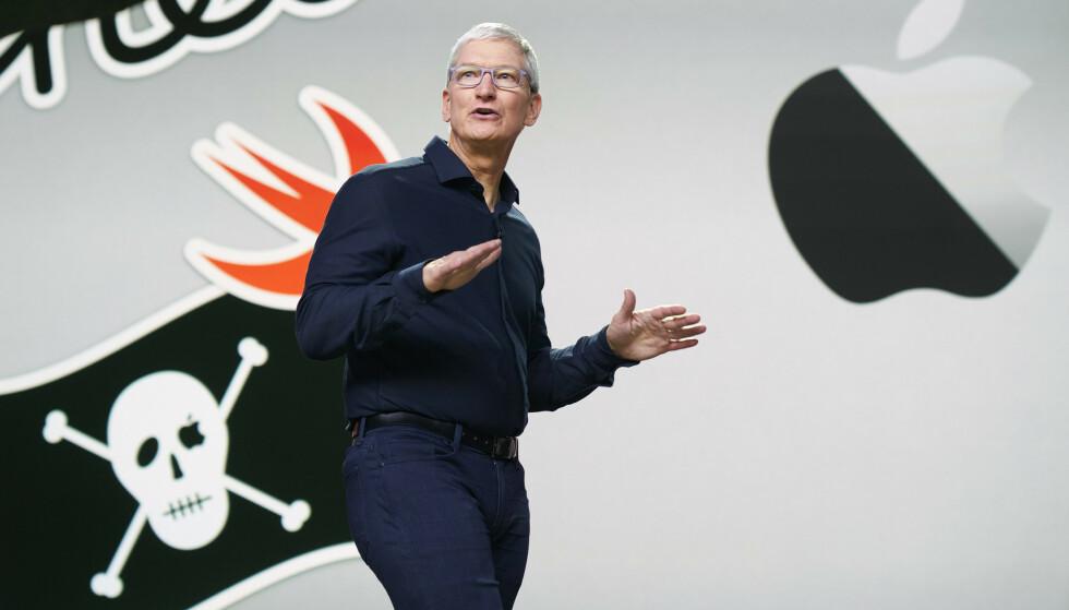 <strong>VISTE FREM SISTE NYTT:</strong> Apple-sjef Tim Cook presenterte iOS 14 og en rekke andre nyheter i anledning utviklerkonferansen WWDC 2020. Foto: Bernadette Simpao / Apple Inc. / AFP / NTB Scanpix