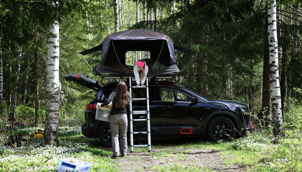TELT PÅ TAKET: Det er dyrere enn vanlige telt, men kan mange ganger være enda mer praktisk. Foto: NAF