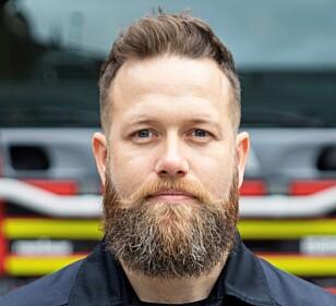 <strong>VÆR FORSIKTIG:</strong> Små fettbranner kan utvikle seg til branner med store materielle skader, advarer brannkonstabel Audun Olsen-Skaldehaug. Foto: Oslo brann- og redningsetat(OBRE)