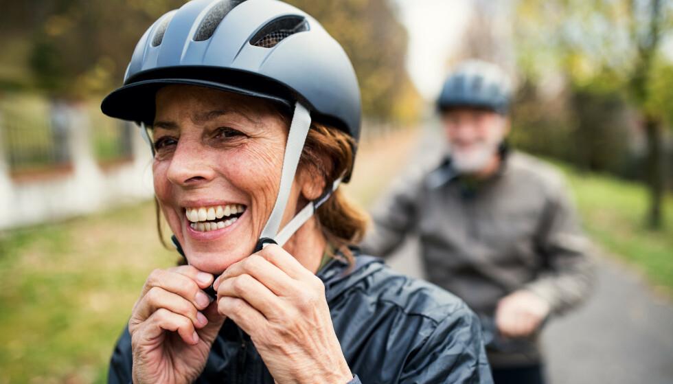 SYKKEL: Undersøkelsen viser at 8 av 10 bruker hjelm når de sykler. Foto: NTB Scanpix/Shutterstock