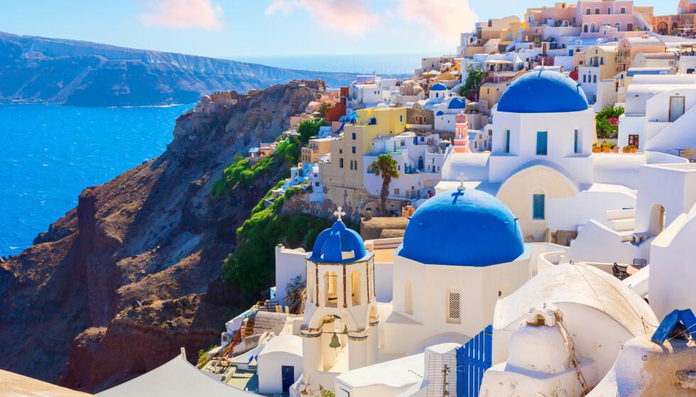 ÅPNER HELLAS: Nå åpner også flyplassene på en del av de greske øyene. Nordmenn vil kun bli utsatt for tilfeldige tester. Foto: NTB scanpix