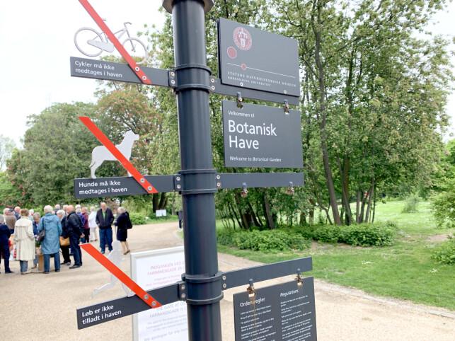 IKKE LØP: Det er ikke lov med sykler og hunder i Botanisk Have - og det er heller ikke lov å løpe. Foto: Kristin Sørdal