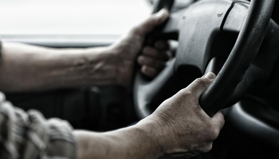 AGGRESSIV KJØRING: Det er én sjåførgruppe som tar flere farlige sjanser i trafikken enn andre grupper, ifølge Trygg Trafikk. Foto: NTB Scanpix.