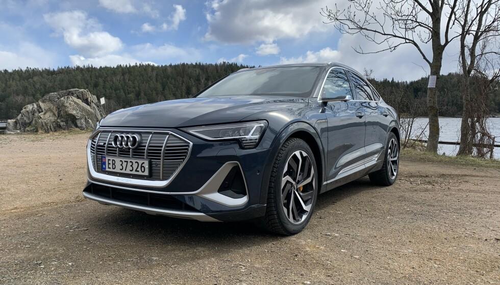 <strong>HELELEKTRISK:</strong> Elbilen Audi e-tron er Norges suverent mest solgte bil hittil i 2020. Foto: Øystein B. Fossum