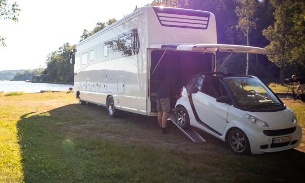 FOR URBANE TURER: En ekstra bil bør man alltid ha med seg på bobilferie ... Foto: Forhandleren