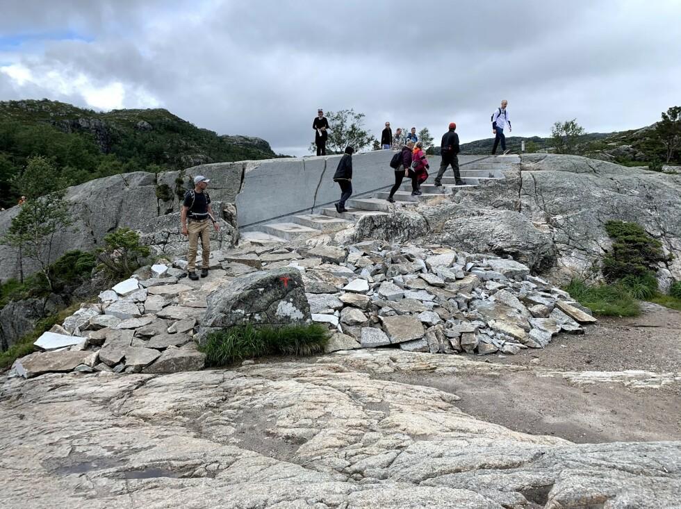 Trapp sagd ut i stein