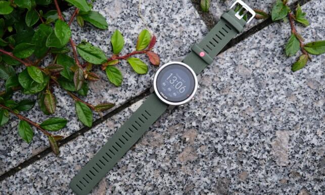 POLAR GRIT X: Vi liker godt hvordan denne klokka ser ut. Foto: Martin Kynningsrud Størbu