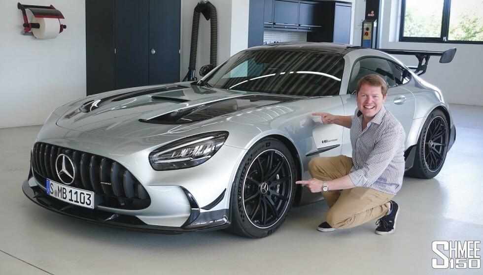 SE SÅ: Samtidig som GT Black Series lanseres, får vi også et bilde av Shmee150 i garasjen der de angivelige spionbildene ble tatt. Genialt av AMG: Foto: AMG