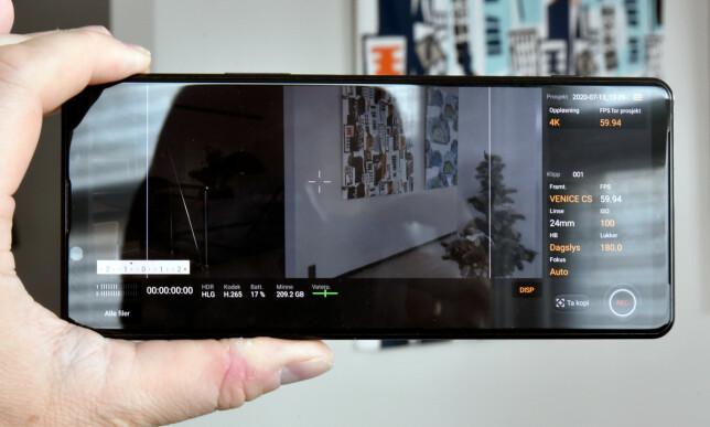 CINEMA PRO: Med en rekke fargeprofiler og innstillinger kan du lage videoer med høy kvalitet via Sonys CinemaPro-app, som er utviklet i samarbeid med Sony-eide CineAlta. Foto: Pål Joakim Pollen