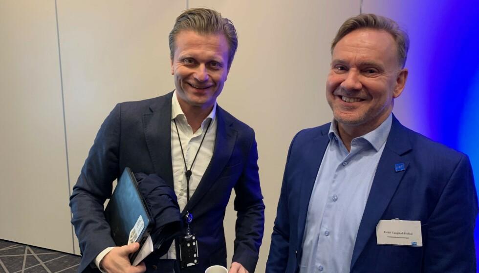 UROVEKKENDE: Utviklingen med mobilbruk bak rattet er urovekkende, mener Sigmund Austin i Gjensidige og Geir Tangstad-Holdal i Trafikksikkerhetsforeningen. De vil ha opptil en månedslønn i bot. Foto: Gjensidige