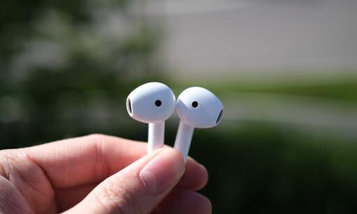 Proppene har sensorer som registrerer om du tar dem ut av ørene. Foto: Martin Kynningsrud Størbu