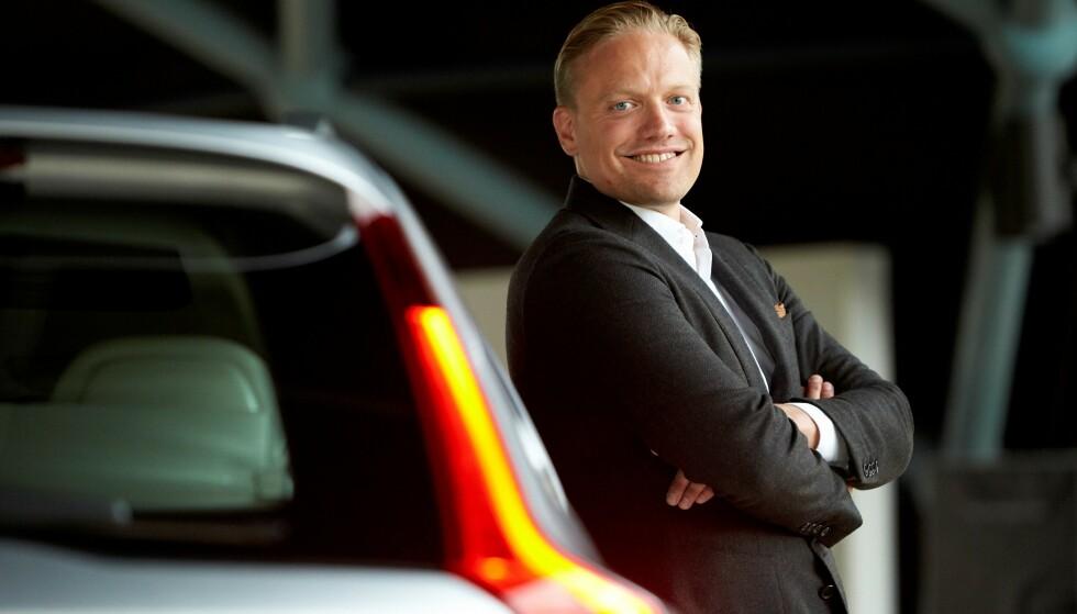 UNNGÅ ULYKKER: - Vi mener det viktigste er å unngå at ulykker oppstår. Derfor må vi sørge for at føreren er fullt konsentrert om kjøringen, sier Henrik Green, forsknings- og utviklingsansvarlig hos Volvo. Foto: Volvo