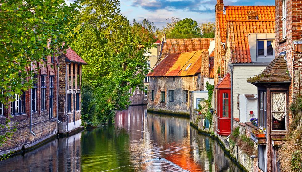 HØY SMITTE: Smittetilfellene i Belgia øer. Her fra Brügge, en populær by blant turistene. Foto: NTB Scanpix