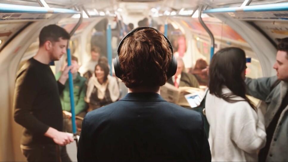 STILLE: På WH-1000XM4 har Sony forbedret støydempingen ytterligere fra sin forgjenger. Foto: Sony