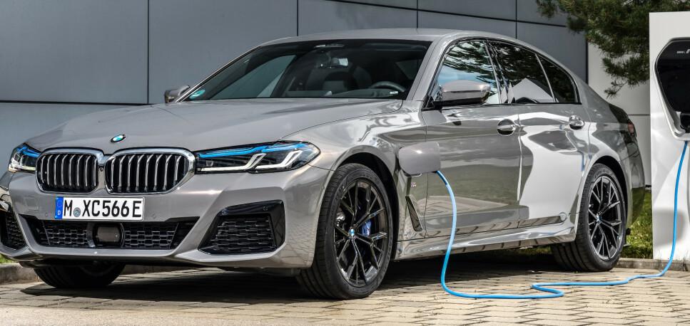 LADBAR BARSKING: Med 6-sylindret motor, blir 545 med ledning en råtass. Ikke minst er det mange for fortsatt foretreker sekssylindret motor. Foto: BMW