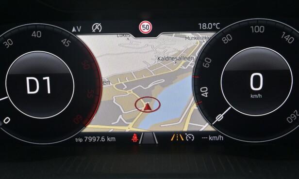 STANDARD: Active Info Display og Navigasjon er ting som er standard på de siste bilene som selges. Foto: Rune M. Nesheim