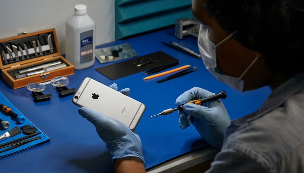 UTVIDER: Apples program for uavhengige reparatører utvides. Disse tilbyr praktiske alternativer for service på iPhone og Mac som ikke lenger dekkes av garantien. Foto: Apple