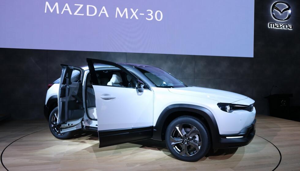 KORT REKKEVIDDE: Mazda har valgt kort rekkevidde og rimelig pris på MX-30. Foto: Rune Korsvoll