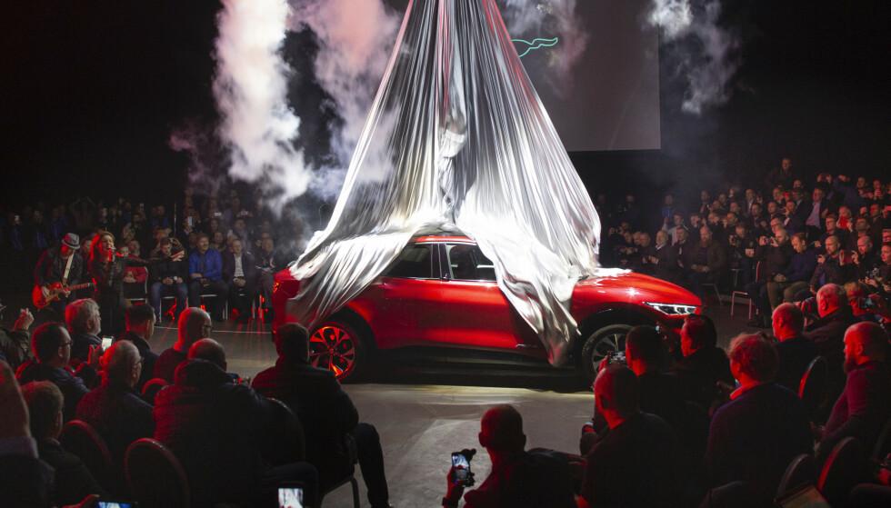 SUV OG ELEKTRISK: Mange SUV-er og mye elektrisk kjennetegner de bilnyhetene som dukker opp på norske veier i løpet av høsten. Ford Mustang Mach-E, som hadde verdenspremiere i Oslo i vinter, kombinerer begge deler. Foto: Rune Korsvoll