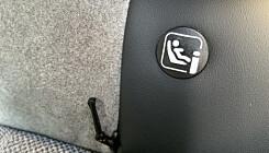 TIL BARNESETET: Det er tre plasser til Isofix i bilen. Foto: Øystein B. Fossum