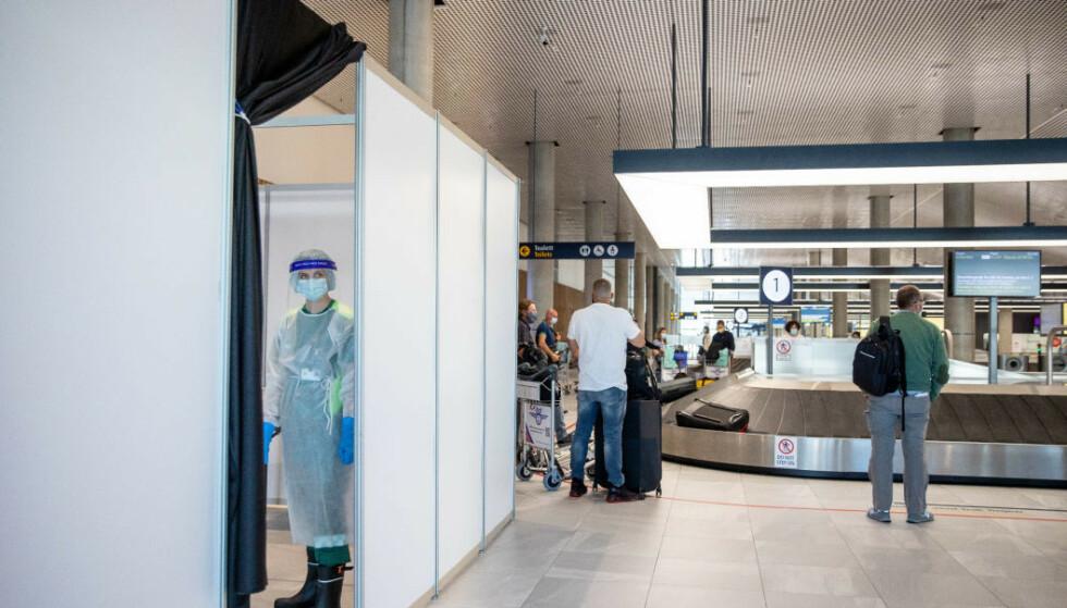 FLERE TESTSTASJONER: Både Gardermoen og Flesland har fått teststasjoner for COVID-19. Nå vil myndighetene åpne flere, også på svenskegrensa. Foto: Eivind Senneset / NTB scanpix