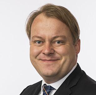 KRITISK: Erlend Wiborg er leder i Stortingets arbeids- og sosialkomité. Foto: Stortinget