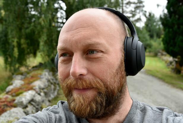 KOMFORTABLE: Øreputene har blitt 10 prosent større, men klokkene bygger noe mindre enn før. Foto: Pål Joakim Pollen