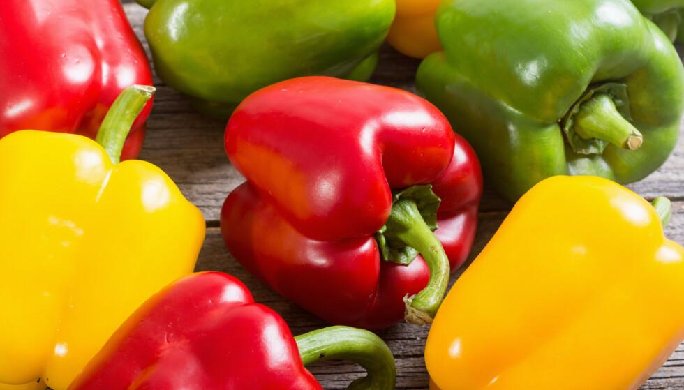 TILBAKEKALLES: Coop tilbakekaller et parti med gul og grønn paprika etter funn av for høye verdier av plantevernmidler. Foto: Shutterstock/ NTB scanpix