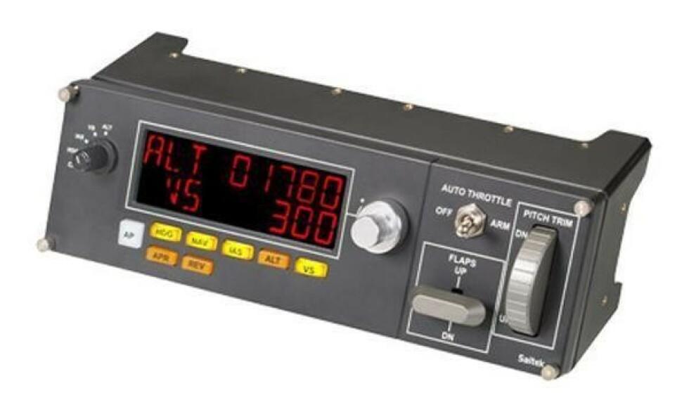 LOGITECH PRO FLIGHT MULTI PANEL: Flysimulatorspillerne kjøper blant annet eksterne paneler for å gjøre spillinga enda mer realistisk. Foto: Logitech