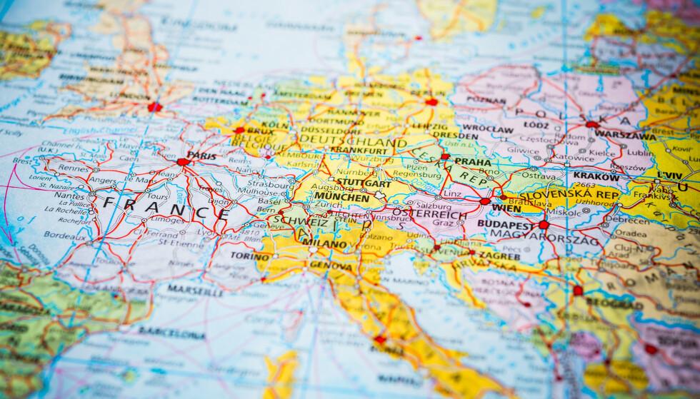 REISERÅD: Kun et fåtall land er markert gule av norske myndigheter. I resten av Europa gjør økt smitte at stadig flere land blir røde. Foto: NTB Scanpix