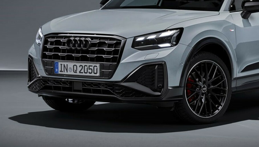 FOTOSHOOT: Med helt ny front og full LED-oppsats, skal Q2 friste flere. Foto: Audi