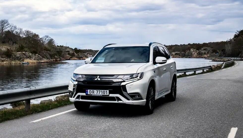 <strong>DYREST:</strong> Mitsubishi Outlander er Norges 5. mest registrerte bil i år. De som mister nøkkelen må belage seg på å betale nærmere 9.000 for en ny en. Foto: Mitsubishi