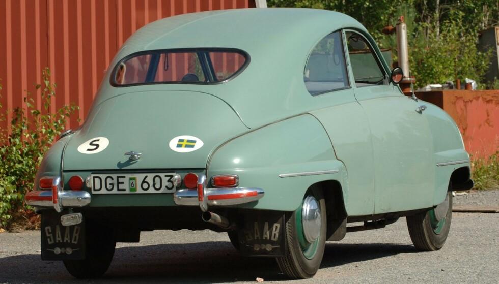 NYTT KAROSSERI: De første 92-modellene hadde et karosseri uten bagasjeromluke. Karosseriet på denne bilen ble byttet mens den gikk som testbil. Foto: Bilwebauctions