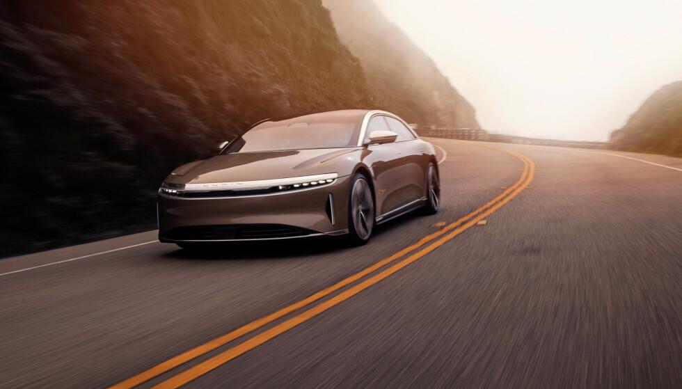 LANSERT I NATT: Lucid Air er endelig lansert. Den amerikanske super-elbilen får amerikanske fra-priser som er billigere enn hovedkonkurrent Tesla. Foto: Lucid Air