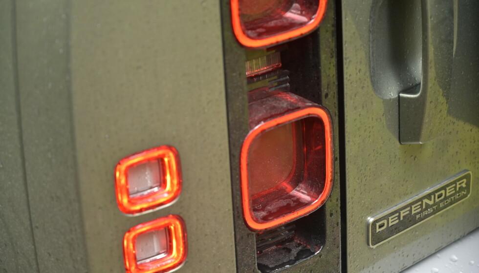 LED: Defender har full LED foran og bak. Hekken er noe av det mest spesielle vi har sett av bildesign på svært lenge. Foto: Rune M. Nesheim