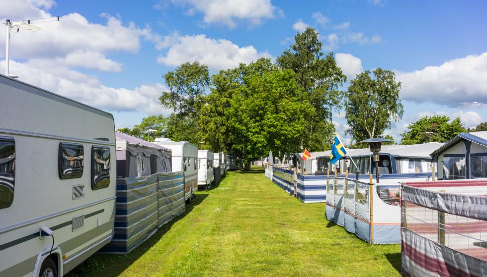 FÅR UNNTAK: Nå får også camping- og båteiere fritak fra karanteneplikten dersom de reiser til røde områder i Sverige eller Finland for å etterse eller vedlikeholde eiendom. Foto: Shutterstock/NTB scanpix