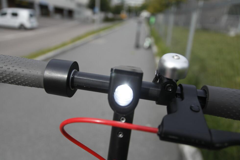 <strong>FUNGERER IKKE:</strong> Ringeklokka på vårt eksemplar lager ikke mye lyd. Foto: Øystein B. Fossum