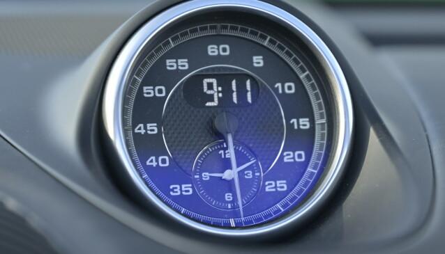 STANDARD: Sport Chrono-pakka med rundetidsmåler og sportkjøreprogrammene er standard i GTS. Foto Rune M. Nesheim