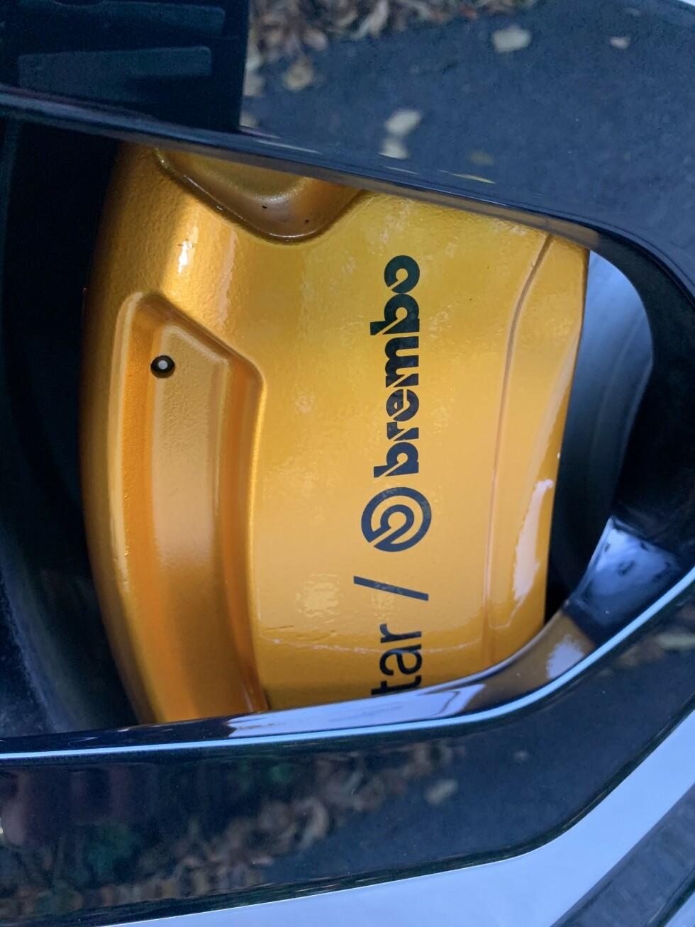 <strong>PERFORMANCE-DETALJER:</strong> Bremsekalippere fra italienske Brembo. Foto: Øystein B. Fossum