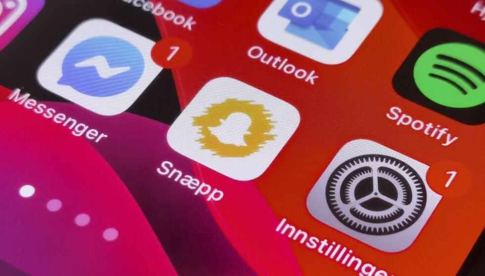 EGNE IKONER: Sett videoer av at folk har byttet ut app-ikonene på iPhone? I denne artikkelen finner du oppskriften. Foto: Pål Joakim Pollen