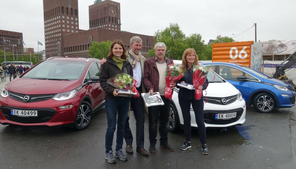 DEN GANG DA: Forventningene var store og hele Norge klar for en elbil med lang rekkevidde og god pris. 16. mai 2017 fikk de tre første kundene i Norge utlevert elbilen Opel Ampera-e - før trøbbelet virkelig startet. Foto: Fred Magne Skillebæk