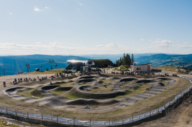 <strong>Hafjell:</strong> Ta turen til topps i Hafjell og la barna få prøve den nye pumptracken. Foto: Odd Roar Lange