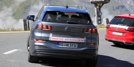 Kamuflerte Tesla X-utfordrer som Peugeot