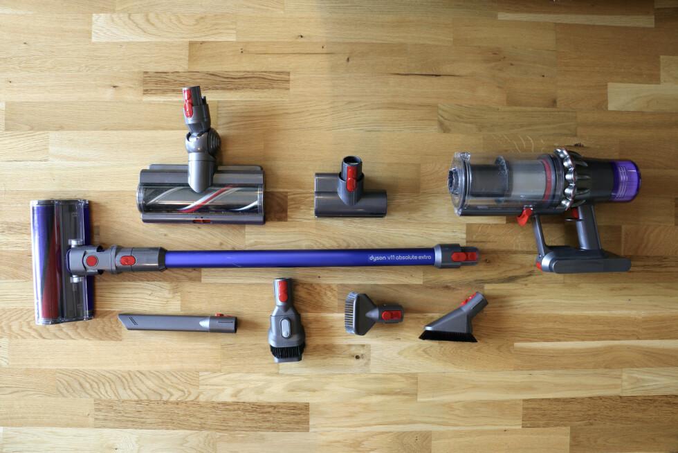 Dyson er best i klassen når det gjelder ekstra utstyr i pakken. Her får du med tre motoriserte munnstykker i tillegg til fire vanlige.